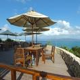 沖縄を満喫するのにピッタリなテラス席は人気のお席。