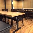 【席情報のご案内】総席数50席の当店は、テーブル席や、接待や会食等の大切な席の利用にぴったりな個室、お一人様や少人数向けのカウンター席など様々なお席をご用意しております。