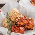 料理メニュー写真韓国チキン(ヤンニョム×チーズのコンボ)
