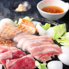 料理メニュー写真二大ジンギスカンと道産山わさびの三枚肉食べ放題(100分)
