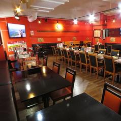 インド料理 ハーブスパイスキッチン Herbal Spice Kitchen 関内 馬車道店の雰囲気1