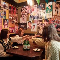 韓流ポスターが張り巡らされた韓流部屋※数に限りがありますので要予約です!