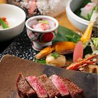 日本料理で楽しいひとときをお過ごし下さい。