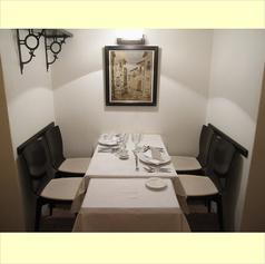 人気の個室風テーブル席!カップルに最適!