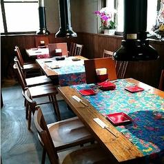 テーブル席。[2名~4名様]