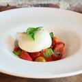 料理メニュー写真イタリア産ブッラータのカプレーゼ仕立て