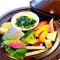 料理メニュー写真寒ブリと野菜のジャスミン蒸し ~青海苔とヴィネガーソース~