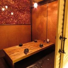 【2F】お席は全席掘りごたつの完全個室をご用意しています。