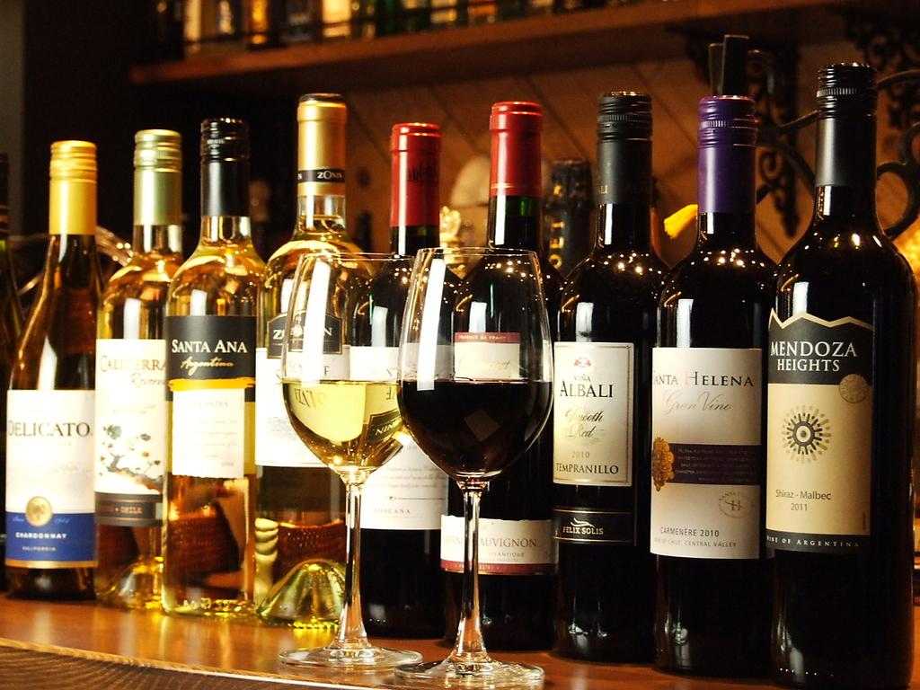 【世界6ヶ国10種グラスワイン】がぶ飲み系ワインはグラスで360円~ご用意。