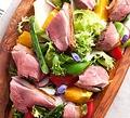 料理メニュー写真合鴨とオレンジのサラダ仕立て