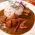料理メニュー写真チキンカレー サラダ付き(インド)
