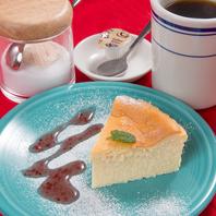 挽き立てのコーヒーとデザートもオススメ◎