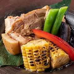 神戸ポークと地元野菜の煮物