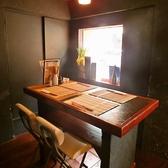 4名様テーブル席。最大6名様まで席の追加が可能です。