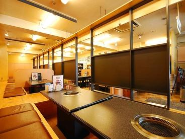 焼肉楽家 百万石 横川店の雰囲気1