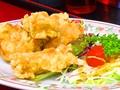 料理メニュー写真鶏の唐揚/鶏肉の香味揚げ/海老の天ぷら/チューリップ/肉団子の唐揚げ
