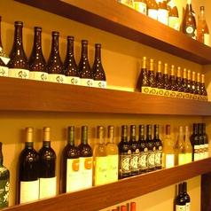 ずらりと並ぶこだわりの国産ワインの数々