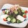 料理メニュー写真ミネラルたっぷり!豆富と海藻の和風サラダ