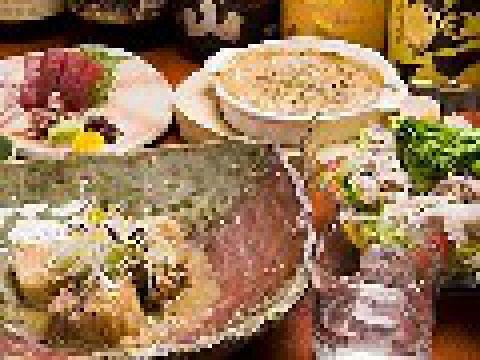 鮮度抜群の魚介、鹿児島産天恵美豚の料理が充実。