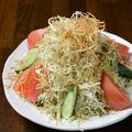 料理メニュー写真BONサラダ/生ハムサラダ/シンプルツナコーンサラダ/カリカリベーコンのシーザーサラダ