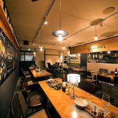 ラクレットチーズと個室 炭火とお肉 江坂店の雰囲気1
