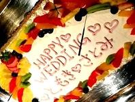 ウェディングケーキは入刀しやすいスクエアで