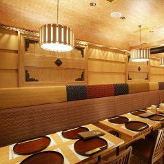 ●はないちもんめ● 開放感のあるテーブル席。赴きある店内でごゆっくり…2~8名用テーブル席×132~6名用ボックス席×1