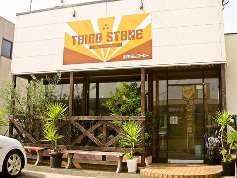 木のぬくもりのある店内はアットホームに出迎えてくれくつろげるお店。