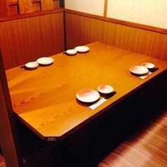 4名様用テーブルのお席。帰りにサク飲み♪
