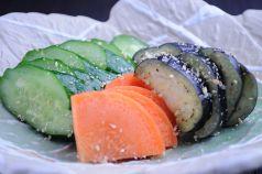 オーナー手作り自慢のぬか漬/ちょっとピリ辛もやしナムル/白菜キムチ