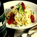 料理メニュー写真サルシッチャとキャベツのクリーミースパゲッティ