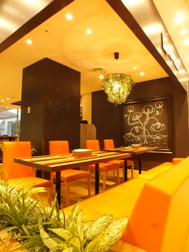 TEXACO CAFE AND TABLE HOMELLA ホメラ テキサコ カフェ アンド テーブルの雰囲気1