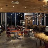 結婚式の二次会や貸切パーティーに最適!アクセスもよく夜景・イルミネーションが楽しめます。テラスも併設しております。