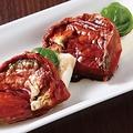 料理メニュー写真旨みの詰まったトマトとモッツァレラチーズ(みやと・・・流カプレーゼ)