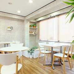 【2F 全18席】2階はカフェとして使っていただけるようになっています。