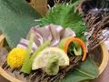 料理メニュー写真関アジのお刺身