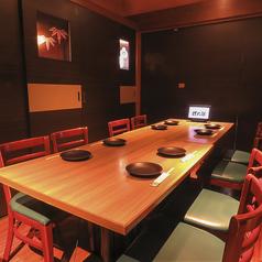 ご家族でのお食事や女子会など少人数でのご利用にも最適なお席。甘太郎はコスパ良しのお得な食べ放題や飲み放題付きコースなど多数ご用意しておりますので合わせてご利用下さい☆お席はすぐにご案内できますのでお気軽にお問い合わせください♪