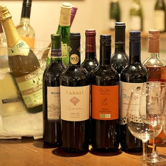 世界各国のワインが置いております♪