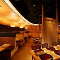 ●かげふみ●窓際のBOX席は、夜景も望める落ち着いた雰囲気の席です。2~6名用ボックス席×124~6名用テーブル席×3