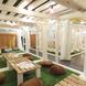 お部屋は全て芝生が敷かれた手作りの内装