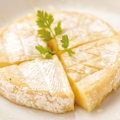 焼きカマンベールチーズのハチミツ掛け