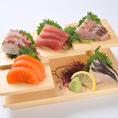 新鮮な魚介類を使用したメニューが盛り沢山!全国各地の漁港と提携し、朝獲れの新鮮な食材を仕入れております。中でも原価率100%以上の刺し盛りは、集合郎を訪れたら必ず食べて頂きたい逸品です。美味しいお料理と厳選した地酒をお楽しみください♪