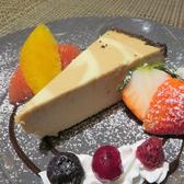 【オシャレなデザート】フルーツをふんだんに使用したケーキやアイスなど、お食事の〆にどうぞ♪