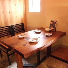 【1F】名様用テーブル席.。女子会や会社終わりのご宴会にご利用下さい。