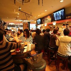 いつも賑わう店内♪本格料理と美味しいワインが楽しめるイタリアンバル。お洒落な宴会をするなら迷わず当店へ!