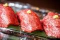 料理メニュー写真ざぶとんの大トロ寿司
