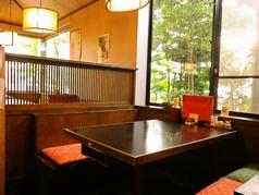 テーブルのお席です。ご家族やご友人など、さまざまなシーンで大活躍。