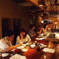 【1階:カウンター】デート利用にどうぞ♪カウンターは幅も広々♪スタッフが鉄板でお料理する様子が見れるので臨場感たっぷり!!