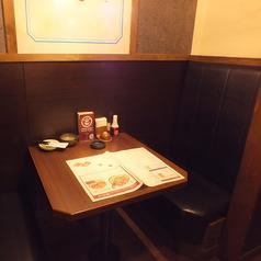 プライベート感たっぷりの2名様BOX半個室席!友人同士やカップルでのご利用にも◎!ごゆっくり寛ぎの時間をお楽しみ下さい。