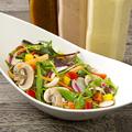 料理メニュー写真さびない体に・・・ 12種の緑黄色野菜サラダ
